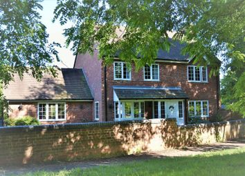 Thumbnail 4 bed detached house for sale in Horsham Close, Banbury