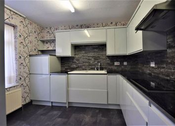 4 bed terraced house to rent in The Chignalls, Basildon, Essex SS15