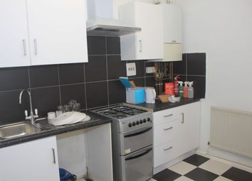 Thumbnail 2 bedroom shared accommodation to rent in Whitechapel, Whitecahpel