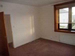 Thumbnail 2 bed flat to rent in Henderson Street, Lochgelly