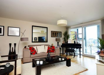 Thumbnail 1 bed flat to rent in Lombard Road, Battersea Square