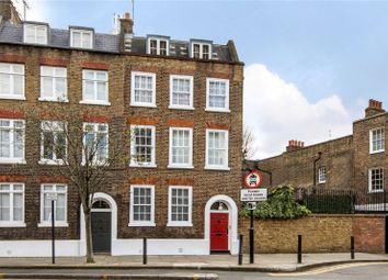 Skinner Street, London EC1R. 3 bed flat for sale