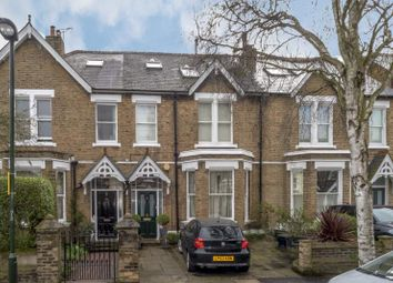 Thumbnail 6 bed terraced house to rent in The Avenue, Kew