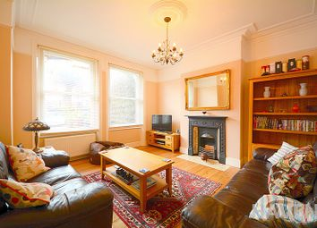 Thumbnail 3 bedroom maisonette for sale in Sedgemere Avenue, East Finchley, London