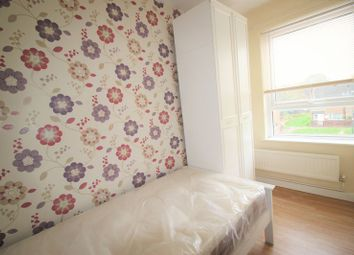 Thumbnail Room to rent in Room 4, Uppingham Gardens, Nottingham
