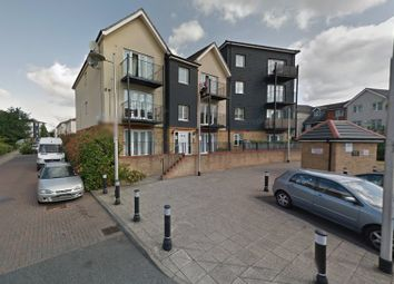 Thumbnail 2 bedroom flat for sale in Blackthorn Road, Ilford