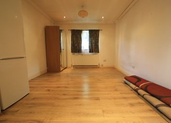 Thumbnail 2 bed flat to rent in Bingham Rd, Croydon