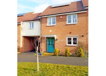 Thumbnail 4 bed link-detached house to rent in Lowewood Road, Romford
