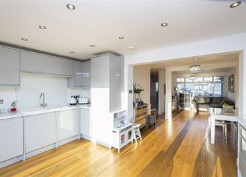 3 bed property for sale in Southern Drive, Loughton IG10
