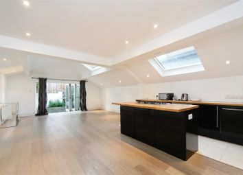 Thumbnail 2 bedroom flat for sale in Parsons Green Lane, London