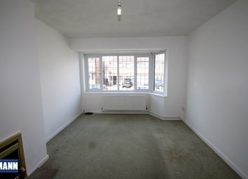 Thumbnail 3 bedroom property to rent in Swaledale Road, Dartford