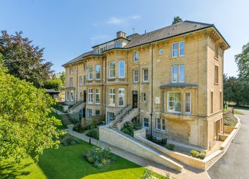 Thumbnail 3 bed town house for sale in Penhurst Gardens, Chipping Norton