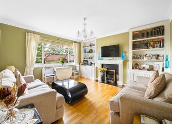 Deanhill Court, Upper Richmond Road West, London SW14. 2 bed flat for sale
