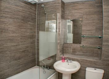 Thumbnail 2 bed flat to rent in Princelet Street, London