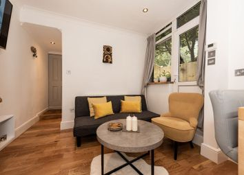 Russell Rise, Luton LU1. 2 bed flat for sale