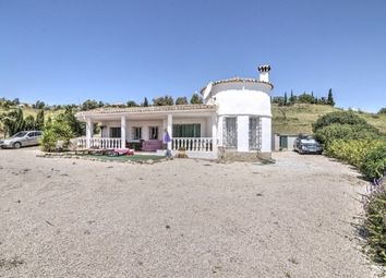 Thumbnail 3 bed country house for sale in Spain, Málaga, Viñuela
