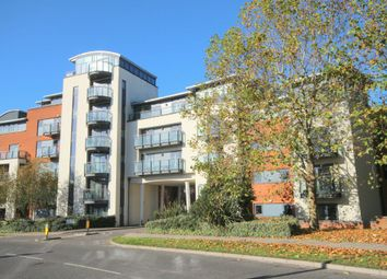 Thumbnail 3 bed flat for sale in Kings Gate, Horsham