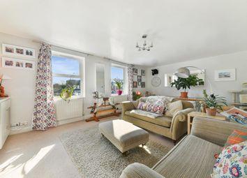Brighton Road, Salfords RH1. 3 bed maisonette for sale