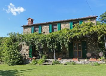 Thumbnail 4 bed property for sale in Arezzo, Campania