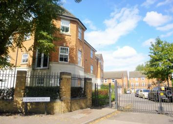 Thumbnail 2 bedroom flat to rent in Enders Close, Enfield