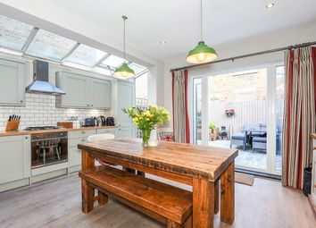 Thumbnail 2 bed flat for sale in Dinsmore Road, London