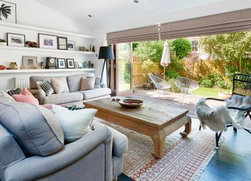 Thumbnail 1 bed flat to rent in Childebert Road, Balham
