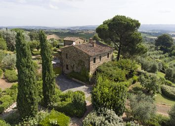 Thumbnail 4 bed country house for sale in Cetona, Siena, Tuscany, Italy