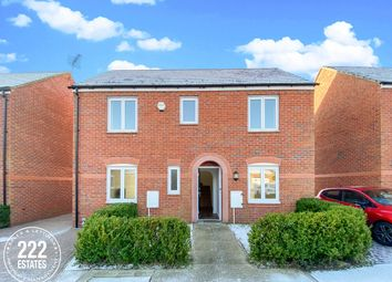 3 bed detached house to rent in Vetchwood Gardens, West Timperley, Altrincham WA14