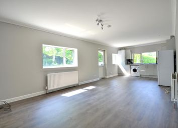Thumbnail 1 bed cottage to rent in Slough Road, Iver, Buckinghamshire