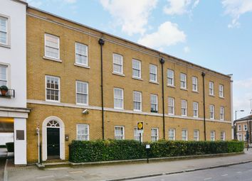Thumbnail 2 bed flat to rent in Cassland Road, London