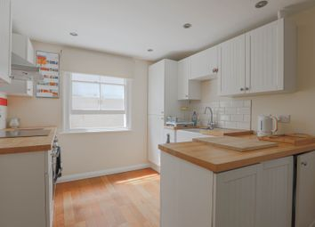 2 bed maisonette to rent in Crofton Road, London SE5