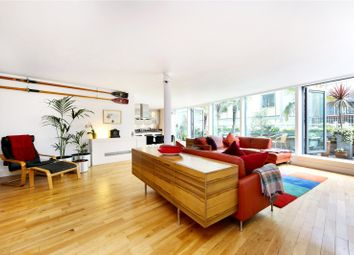 Thumbnail 2 bedroom flat for sale in New Globe Walk, London