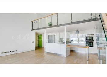 Thumbnail 3 bed flat to rent in Peterborough Road, Fulham