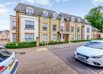 Fuller Close, Bushey WD23. 2 bed flat