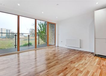 Thumbnail 1 bed flat to rent in Wellington St, London