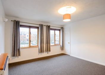 Thumbnail 1 bed flat to rent in Kilburn Lane, London