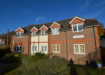 Thumbnail 2 bed flat to rent in Hospital Hill, Chesham