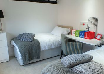 3 bed property for sale in Coopers Row, Iver SL0