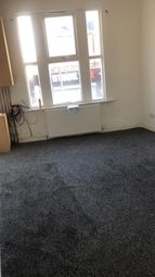 2 bed flat to rent in Stockport Road, Manchester M19