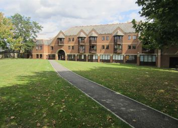 Thumbnail 1 bed flat to rent in Lawrence Parade, Lower Square, Isleworth