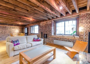 Thumbnail 2 bed flat for sale in Hertsmere Road, Canary Wharf