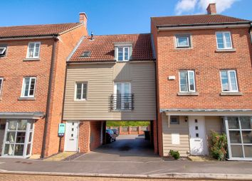 Thumbnail 2 bed town house for sale in Ilsley Road, Basingstoke