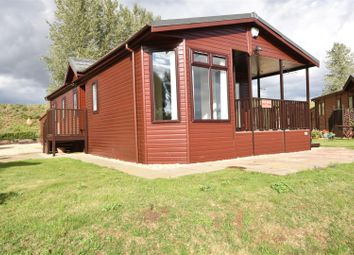 Thumbnail 2 bed mobile/park home for sale in Great North Road, Cromwell, Newark