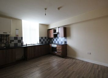 Thumbnail 2 bedroom flat to rent in Oldham Road, Failsworth