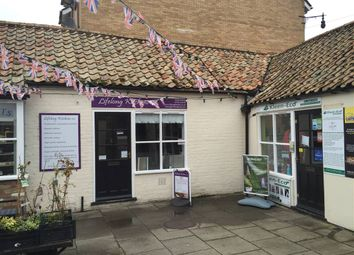 Thumbnail Retail premises to let in Cross Keys Mews, Market Square, St Neots, Cambs