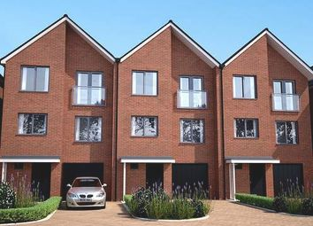Thumbnail 4 bedroom town house for sale in Springhead Road, Northfleet, Kent