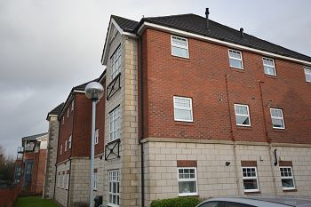 Thumbnail 1 bed flat for sale in The Oaks, Sandbach Drive, Kingsmead.