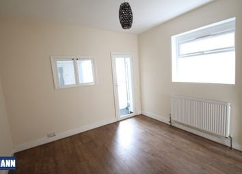 3 bed end terrace house to rent in Hill House Road, Dartford DA2