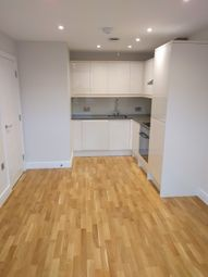 1 bed terraced house to rent in Market Place, Reading, Berkshire RG1