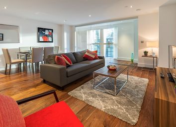 Thumbnail 2 bed flat to rent in 3 Lincoln Plaza, Canary Wharf, London